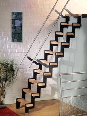 escalier échelle de meunier acier avec marche en bois