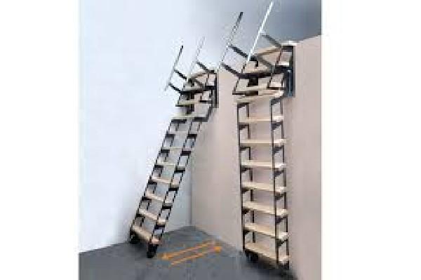 escalier rabattable sur roue acier vernis et marches en hêtre