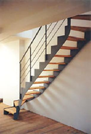 escalier acier model up&down avec marches en bois